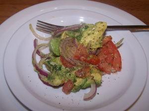 Calories of Avocado – Avocado, Onion & Tomato Salad