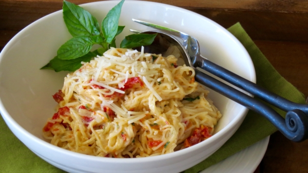 Alfredo Sundried Tomato Pasta