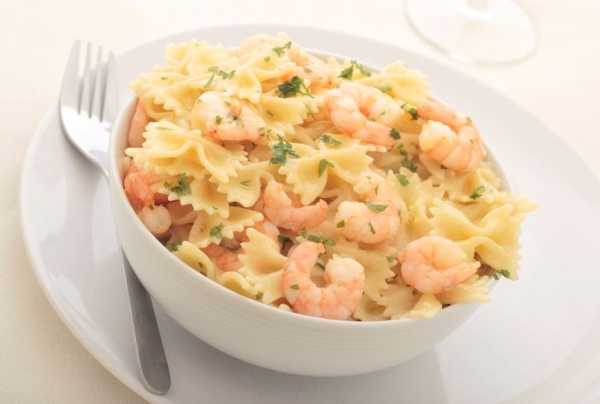 Farfalle with prawns