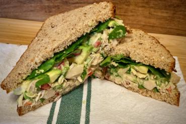 Vegan Chicken Salad with Jackfruit
