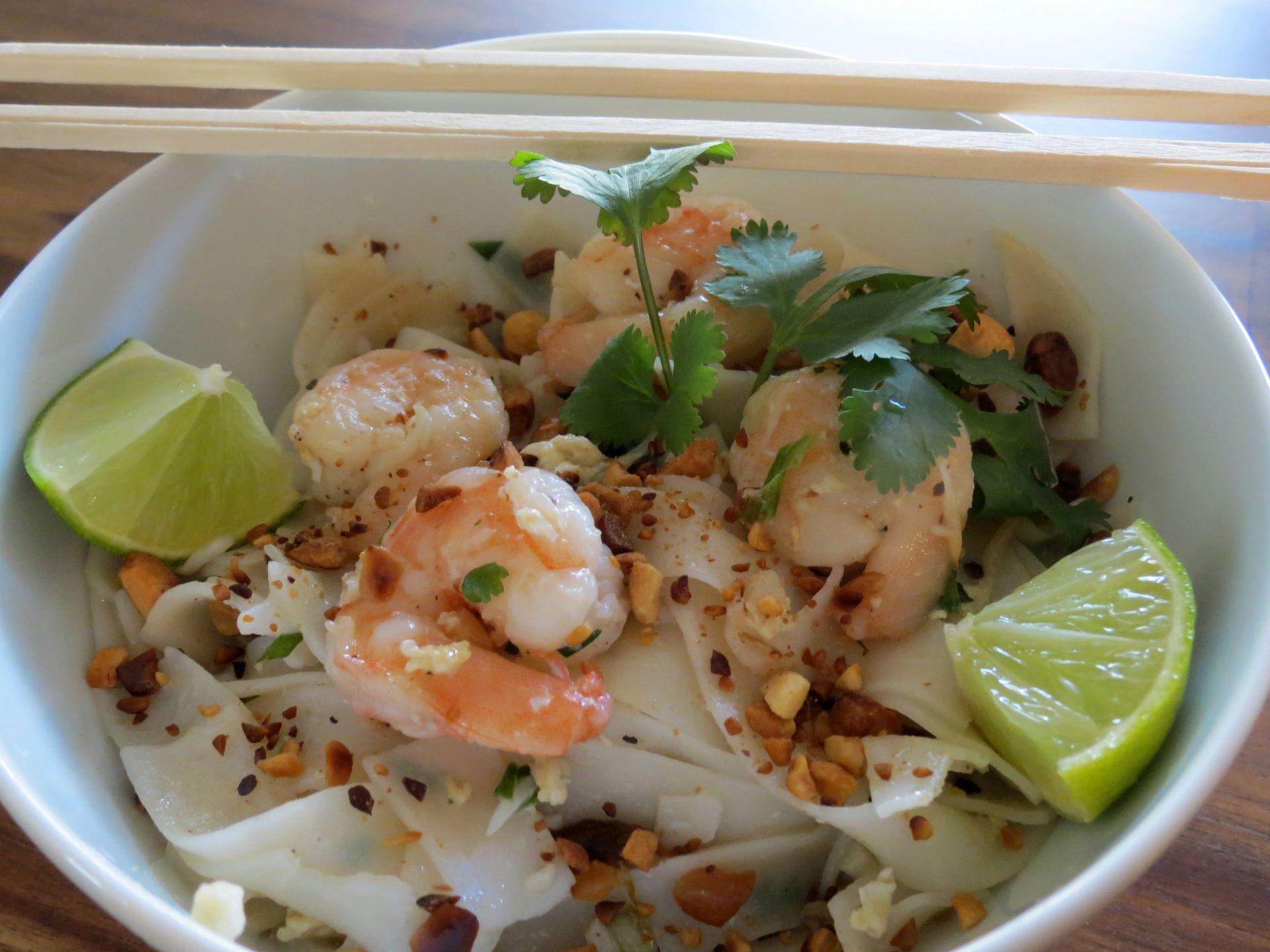 Shrimp Pad Thai Recipe - The Frugal Chef